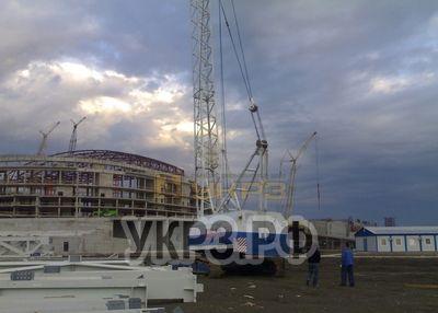 Кран ДЭК-321 после ремонта. Строительство ледовой арены в Сочи. НПО Мостовик. 2009 г.