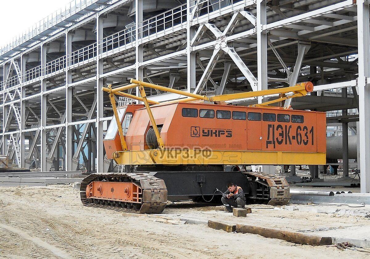 Монтаж крана ДЭК-631 на строительстве Новоуренгойского газохимического комплекса ОАО Газпром г. Н. Уренгой 2012 г.
